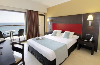 Twin Room with Sea View AluaSoul Palma (Adults Only) Hotel Cala Estancia, Mallorca